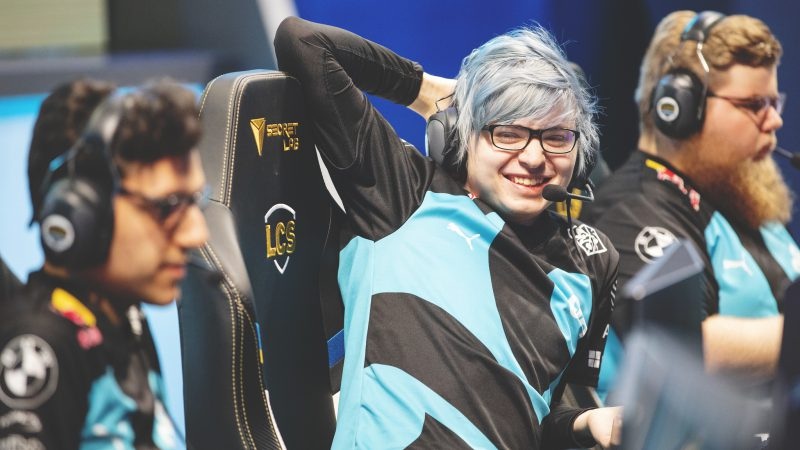 Sources: Sneaky to join 100Thieves